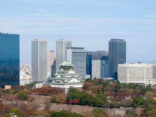 大阪城と大阪ビジネスバークの写真素材 [FYI01587097]