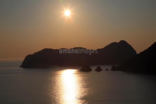 常神半島夕日の写真素材 [FYI01587656]