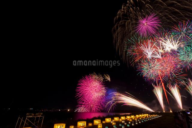 千代田の祭 川せがき花火大会の写真素材 [FYI01588078]