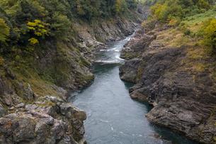 飛騨川の飛水峡の写真素材 [FYI01589469]