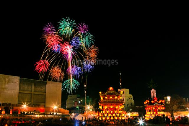 秩父夜祭の花火の写真素材 [FYI01589676]