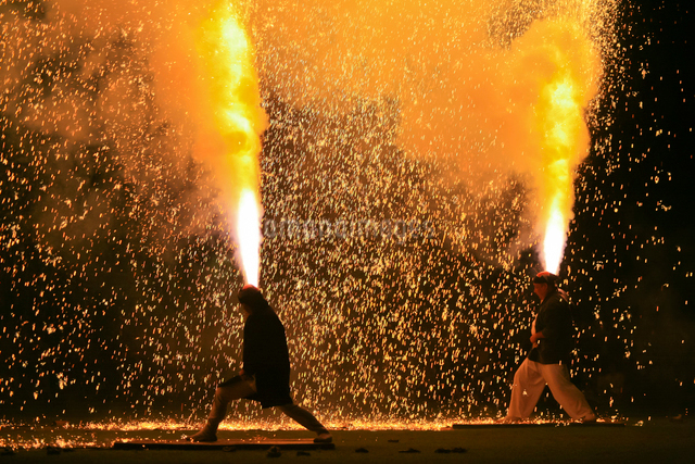手筒花火の写真素材 [FYI01590081]