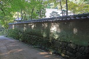 圓教寺境内土壁の写真素材 [FYI01590259]