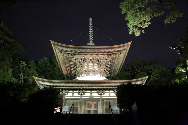 石山寺多宝塔ライトアップの写真素材 [FYI01590438]