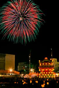 秩父夜祭の花火の写真素材 [FYI01590606]