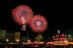 秩父夜祭の花火の写真素材 [FYI01591103]