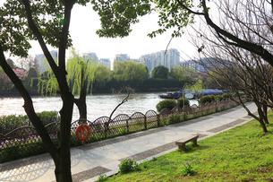 蘇州 寒山寺風景区自然公園から見る京杭大運河の写真素材 [FYI01591951]
