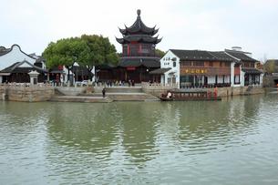 蘇州 運河と朝宗閣の写真素材 [FYI01591998]