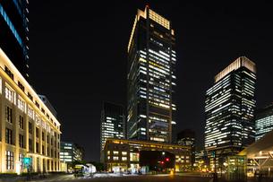 KITTE JPタワー 東京中央郵便局と丸ビル、新丸ビルの写真素材 [FYI01592862]
