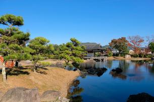 寝殿造庭園の写真素材 [FYI01592868]
