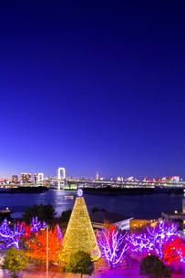お台場クリスマスイルミネーションの写真素材 [FYI01593747]