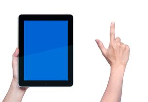 タブレットPCと指差す手の写真素材 [FYI01594151]