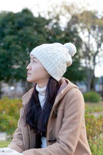 ニット帽の女性の写真素材 [FYI01594245]