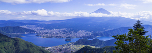 新道峠より望む富士山の写真素材 [FYI01594283]