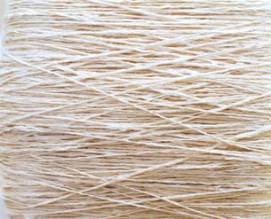 機と白い糸の写真素材 [FYI01594492]