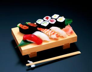 にぎり寿司の写真素材 [FYI01594569]