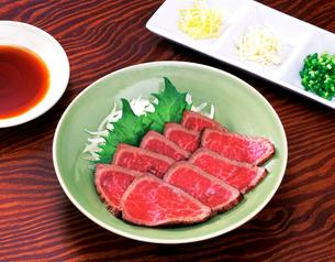牛肉のたたきの写真素材 [FYI01594798]
