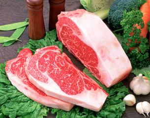サーロインステーキ肉の写真素材 [FYI01594895]