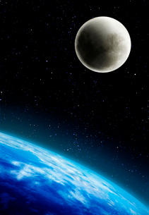 地球と月の写真素材 [FYI01595067]