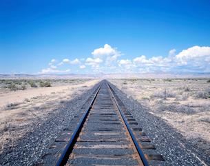 砂漠の路線  の写真素材 [FYI01595144]