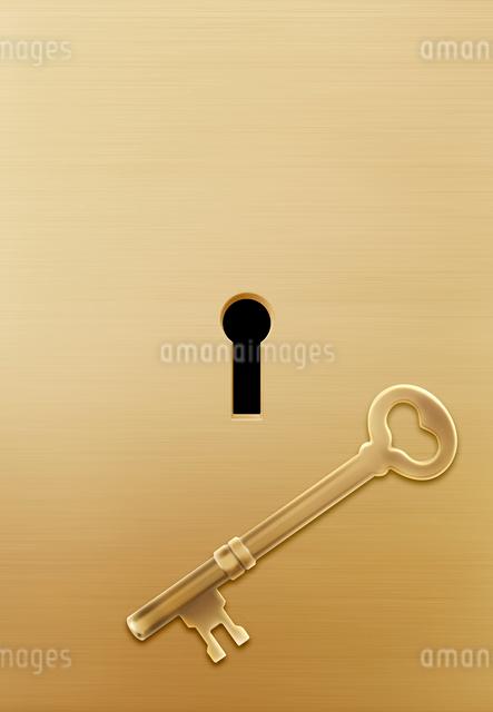 鍵と鍵穴の写真素材 [FYI01595145]