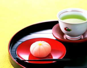 和菓子とお茶の写真素材 [FYI01595163]
