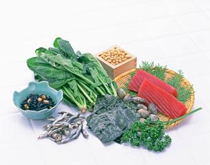 鉄分を多く含む食品の写真素材 [FYI01595219]