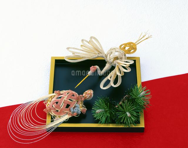 正月イメージ 水引の鶴と亀の写真素材 [FYI01595478]