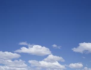 青空と雲の写真素材 [FYI01595579]