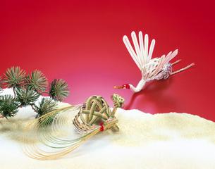 正月イメージ 水引の鶴と亀の写真素材 [FYI01595581]