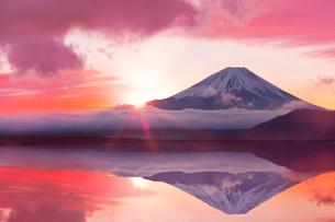 富士山の日の出CGの写真素材 [FYI01595789]