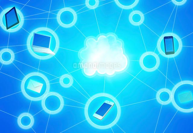 IT機器とクラウドネットワークの写真素材 [FYI01595825]