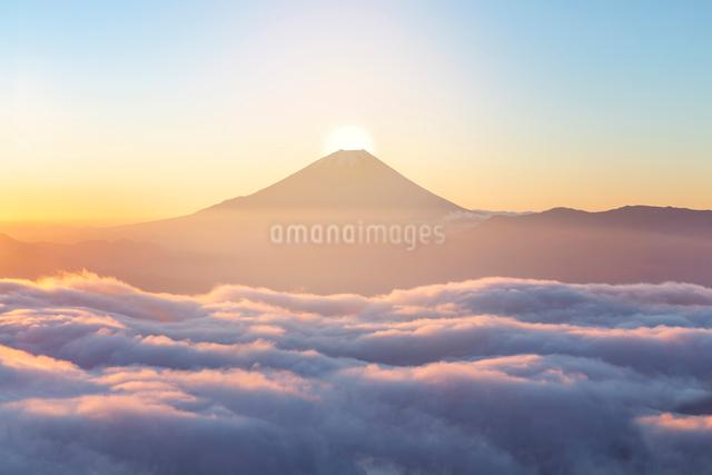 富士山の日の出CGの写真素材 [FYI01595970]
