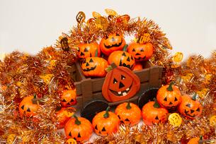 ハロウィンかぼちゃの行列,モールの写真素材 [FYI01598424]