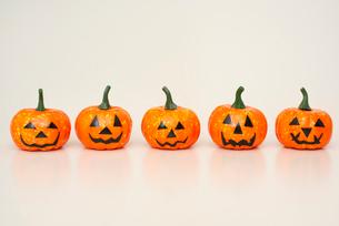 ハロウィンかぼちゃの小物の写真素材 [FYI01598873]