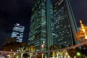 高層ビル群とイルミネーション,新宿の写真素材 [FYI01599932]