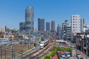 押上の町並みと電車の写真素材 [FYI01600487]