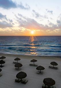 カリブ海の日の出の写真素材 [FYI01601423]