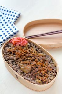 牛丼弁当の写真素材 [FYI01601640]