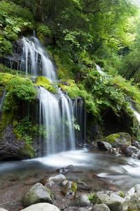 清里高原の吐竜の滝の写真素材 [FYI01602310]