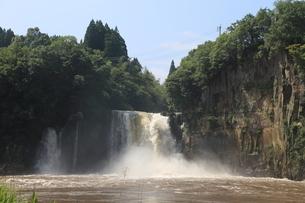 沈堕の滝の写真素材 [FYI01603028]