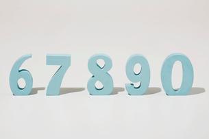 数字のブロック 67890の写真素材 [FYI01603105]
