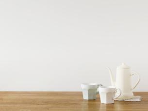 マグカップとティーポットの写真素材 [FYI01603135]