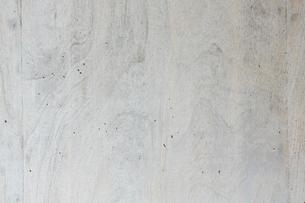木目のあるうちっぱなしのコンクリートの壁の写真素材 [FYI01603336]