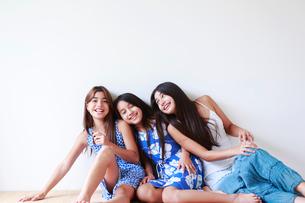 3人の女の子の写真素材 [FYI01603358]