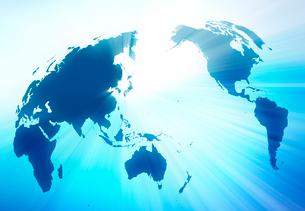 世界地図と光芒の写真素材 [FYI01603408]