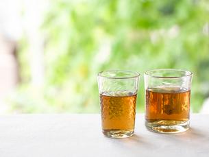 グラスに入ったお茶の写真素材 [FYI01603501]