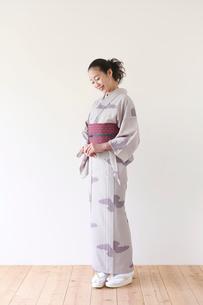 着物の女性の写真素材 [FYI01603512]