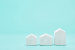 白い建物のオブジェ クラフトの写真素材 [FYI01603545]