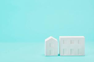 白い建物のオブジェ クラフトの写真素材 [FYI01603745]